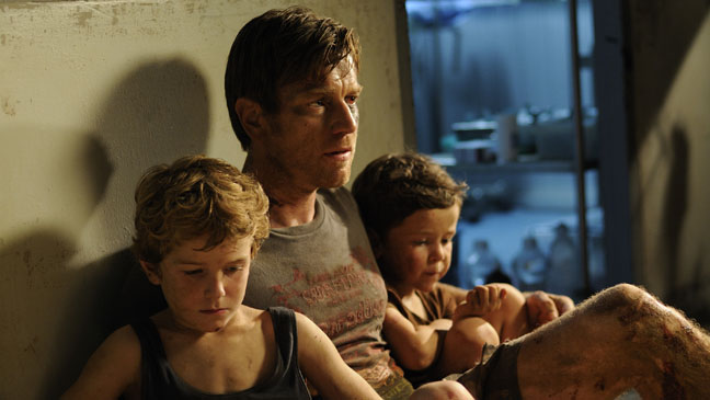 The impossible Still Ewan with Kids - H 2012