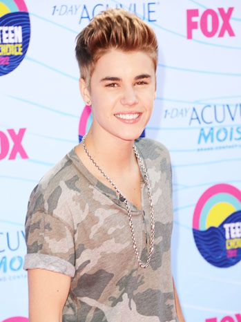 Justin Bieber Teen Choice Awards Arrivals 2 - P 2012