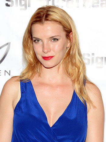 Betty Gilpin Heartless Opening Night Arrivals - P 2012