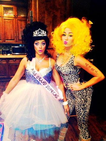 Miley Cyrus Dressed as Nicki Minaj Halloween - P 2012