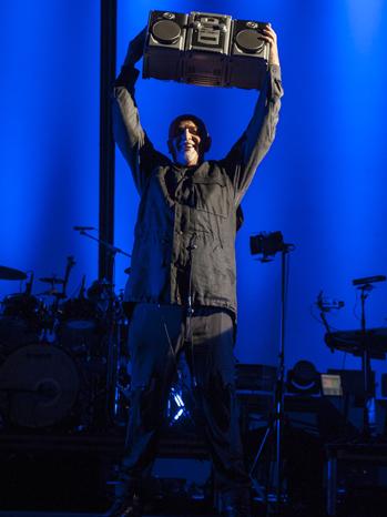 Peter Gabriel Hollywood Bowl Boombox P