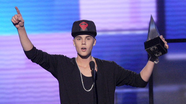 Justin Bieber - American Music Awards - H 2012