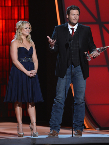 CMAs - Blake Shelton and Miranda Lambert - P 2012