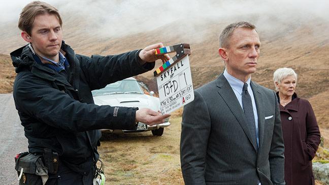 2012-40 FEA Bond Daniel Craig Judi Densch H