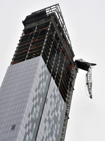 Crane New York City Hurricane Sandy - P 2012