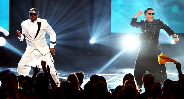 AMA Psy MC Hammer Performance - H 2012