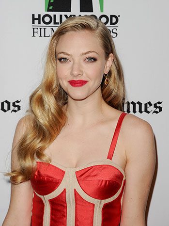 Amanda Seyfried's Veronica Lake Locks