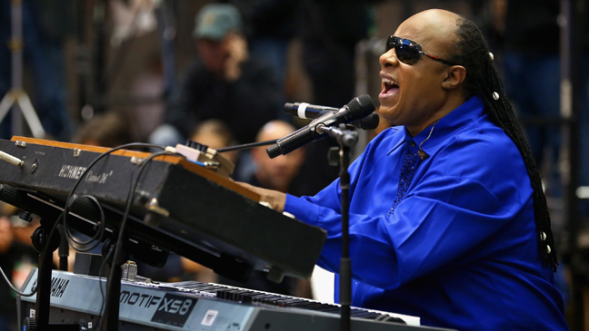 Stevie Wonder at Obama Rally - H 2012