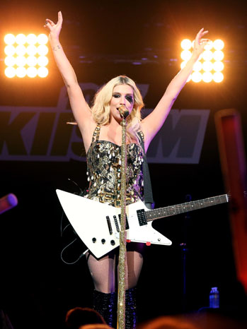 Kesha Jingle Ball - P 2012