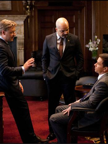 Broken City Mayor's Office Crowe Wahlberg - P 2012