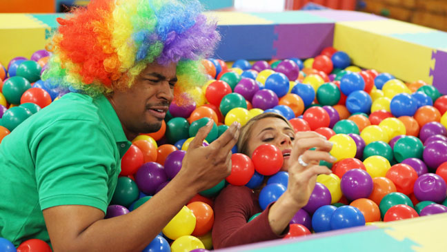 Happy Endings Wayans Coupe Ball Pit - H 2013