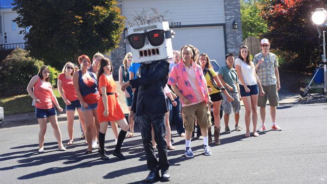 Portlandia Robot Dance Carrie Brownstein Fred Armisen - H 2012