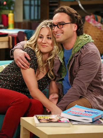 The Big Bang Theory Cuoco Galecki Hugging - P 2013