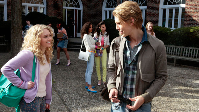 The Carrie Diaries Pilot Carrie and Sebastian - H 2013