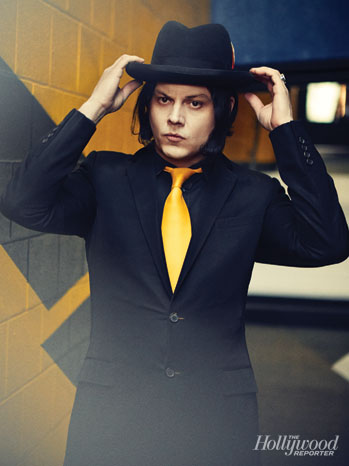 Issue 6 FEA Jack White - P 2013
