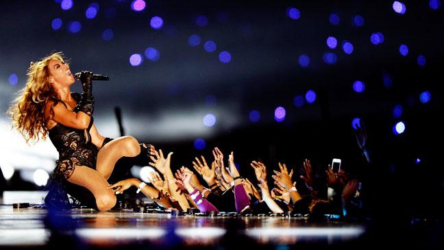 Beyonce Super Bowl Half Time Show - H 2013