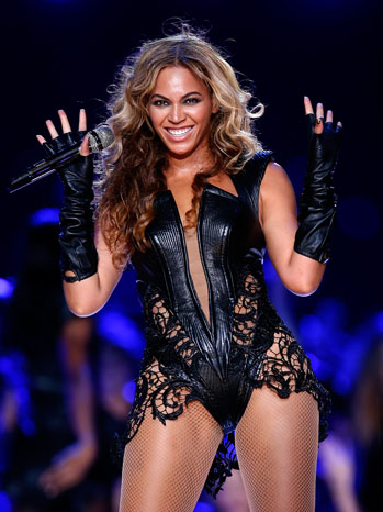Beyonce Super Bowl Half Time Show - P 2013