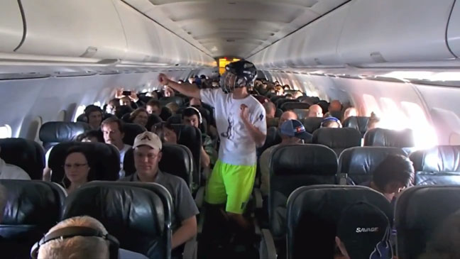 Harlem Shake on a Plane - H 2013