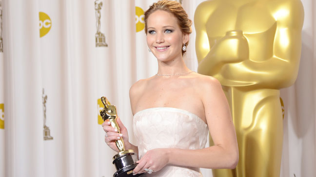 Jennifer Lawrence Oscar Award - H 2013