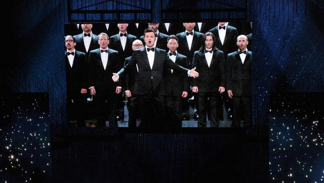 Seth MacFarlane Chorus Oscars - H 2013