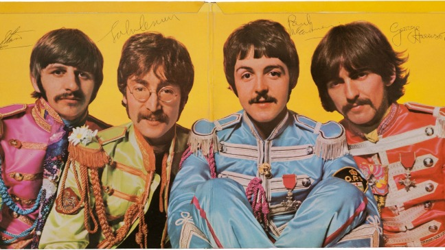 Beatles Signed Sgt Peppers - H 2013