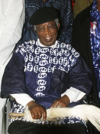 Chinua Achebe  2009 - P 2013