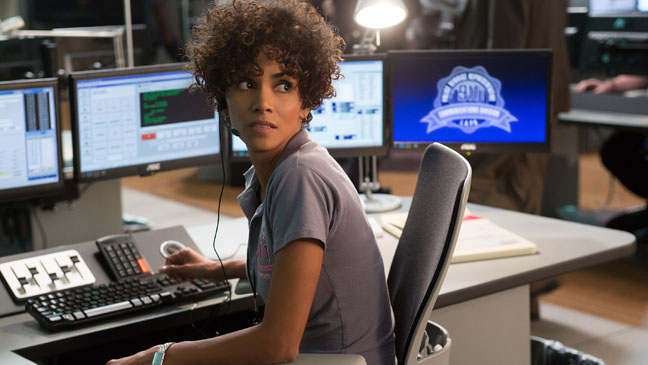 The Call Halle Berry 911 Operator - H 2013