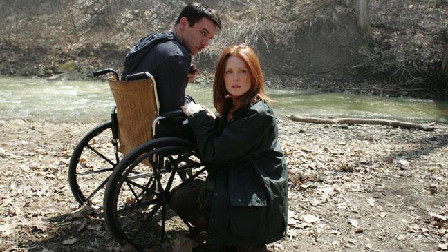 6 Souls Julianne Moore Rhys in Wheelchair - H 2013