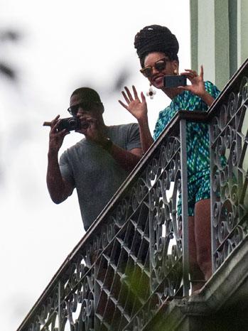 Jay-Z Beyonce Cuba Balcony - P 2013