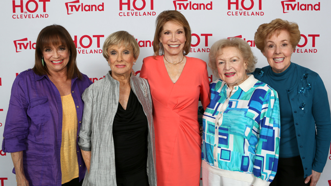 Mary Tyler Moore Show Reunion Hot in Cleveland - H 2013
