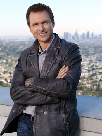 Phil Keoghan Amazing Race Host - p 2013