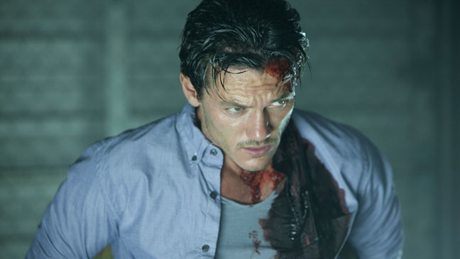 No One Lives Luke Evans - H 2013