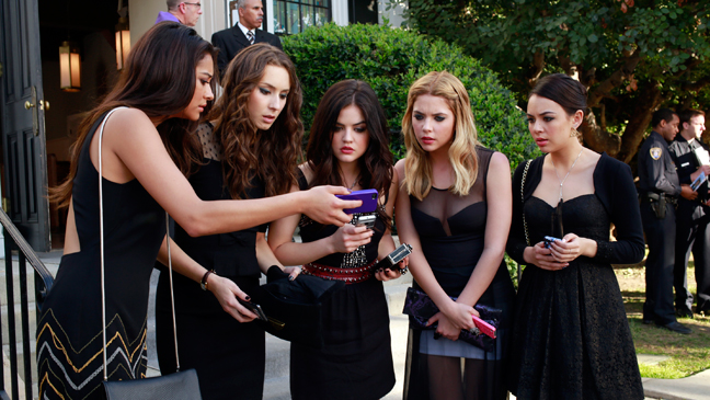 Pretty Little Liars Season 4 Premiere Episodic Black Shay Troian Lucy Ashley Janel - H 2013