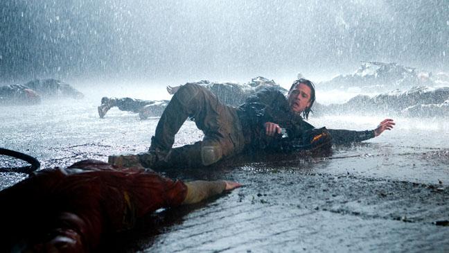 World War Z Brad Pitt in Rain - H 2013