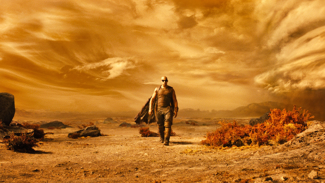 Riddick Wide Shot - H 2013