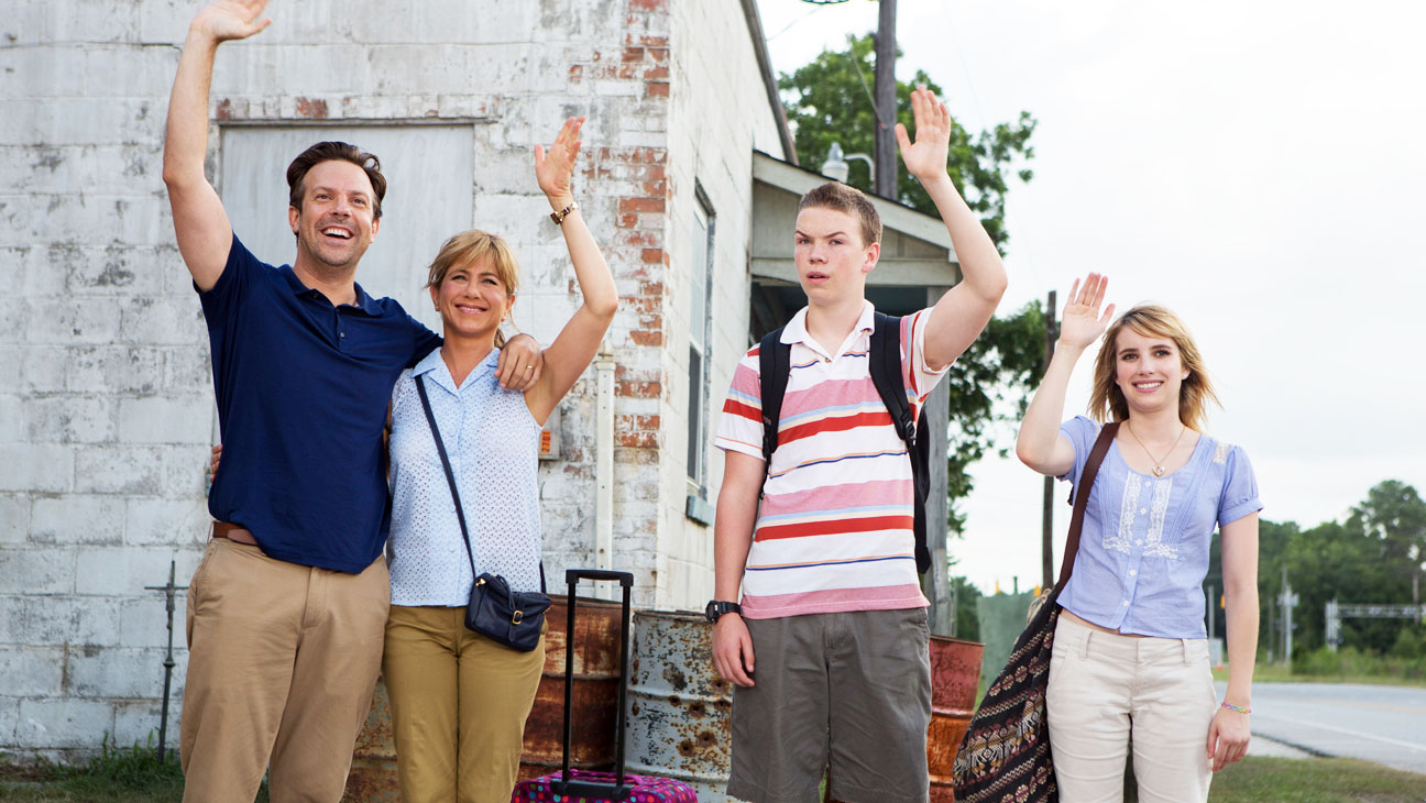 We're The Millers Family Waving - H 2013