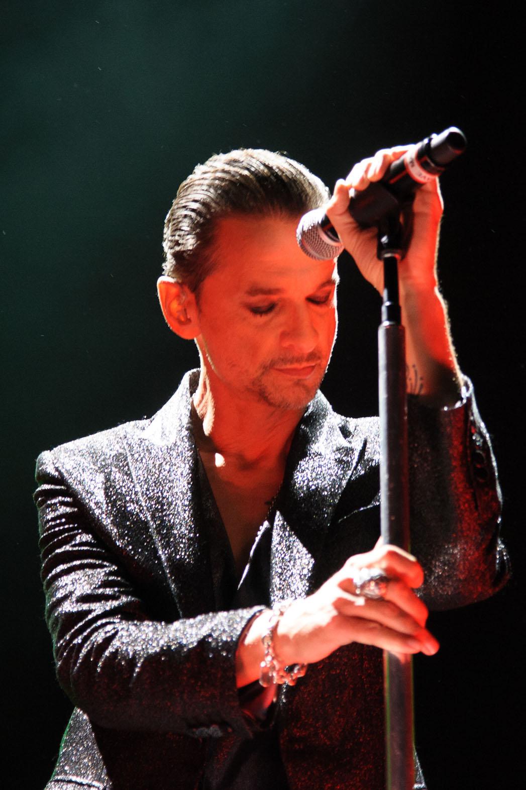Depeche Mode Performing 9/6 - P 2013