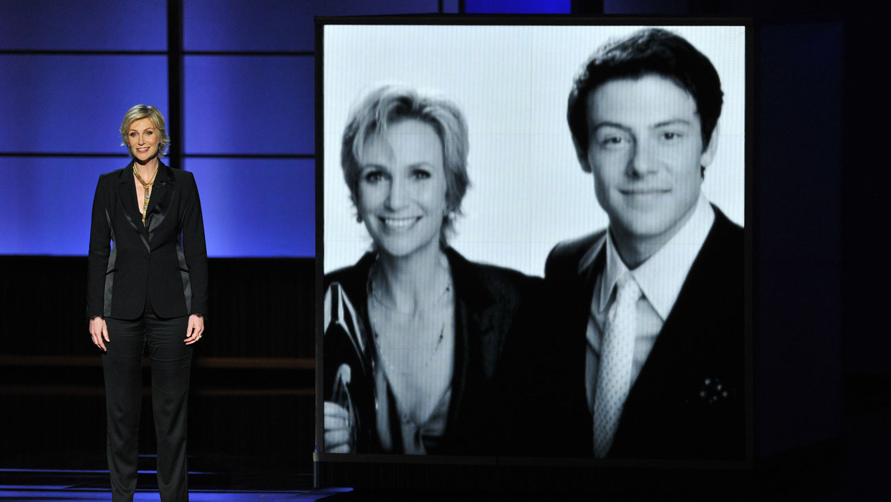 Jane Lynch Cory Monteith Tribute Emmys - H 2013