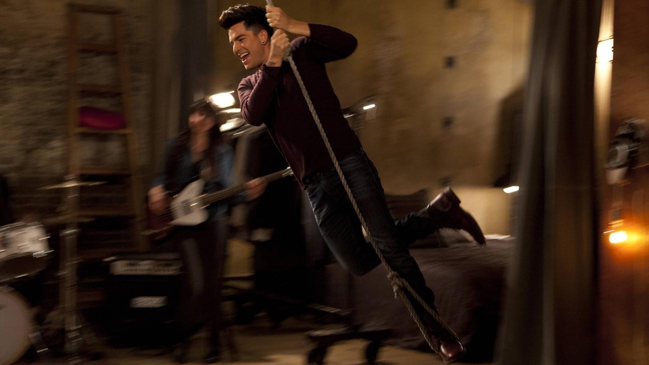 Adam Lambert on Glee 2 L