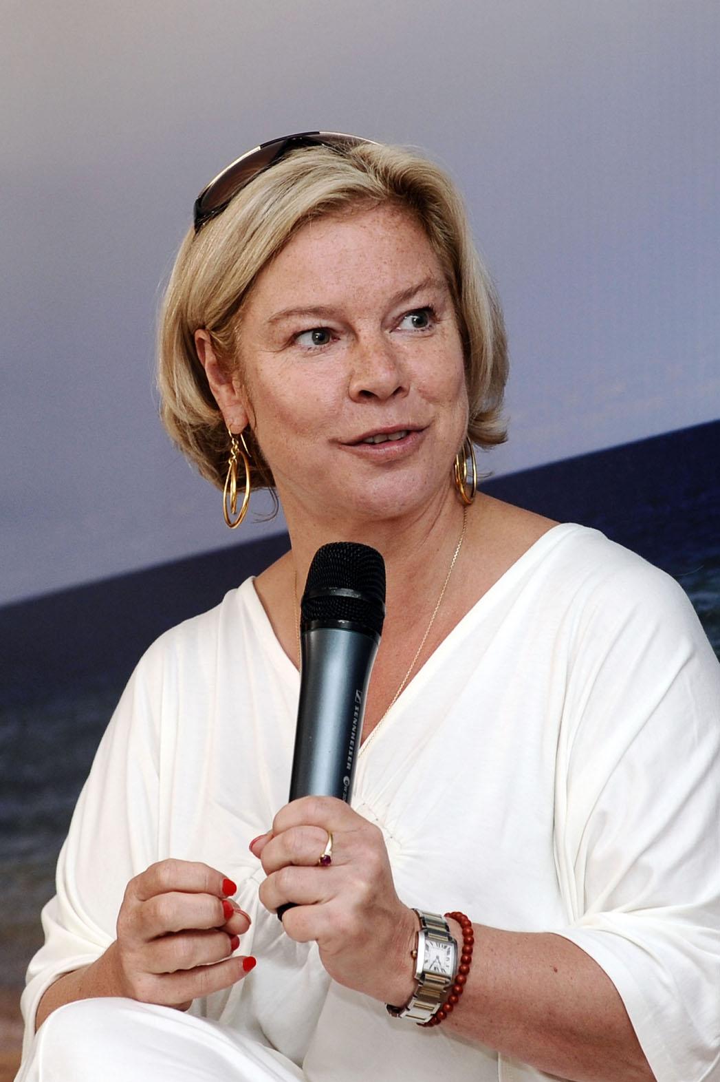 Alison Owen 2010 - P 2013