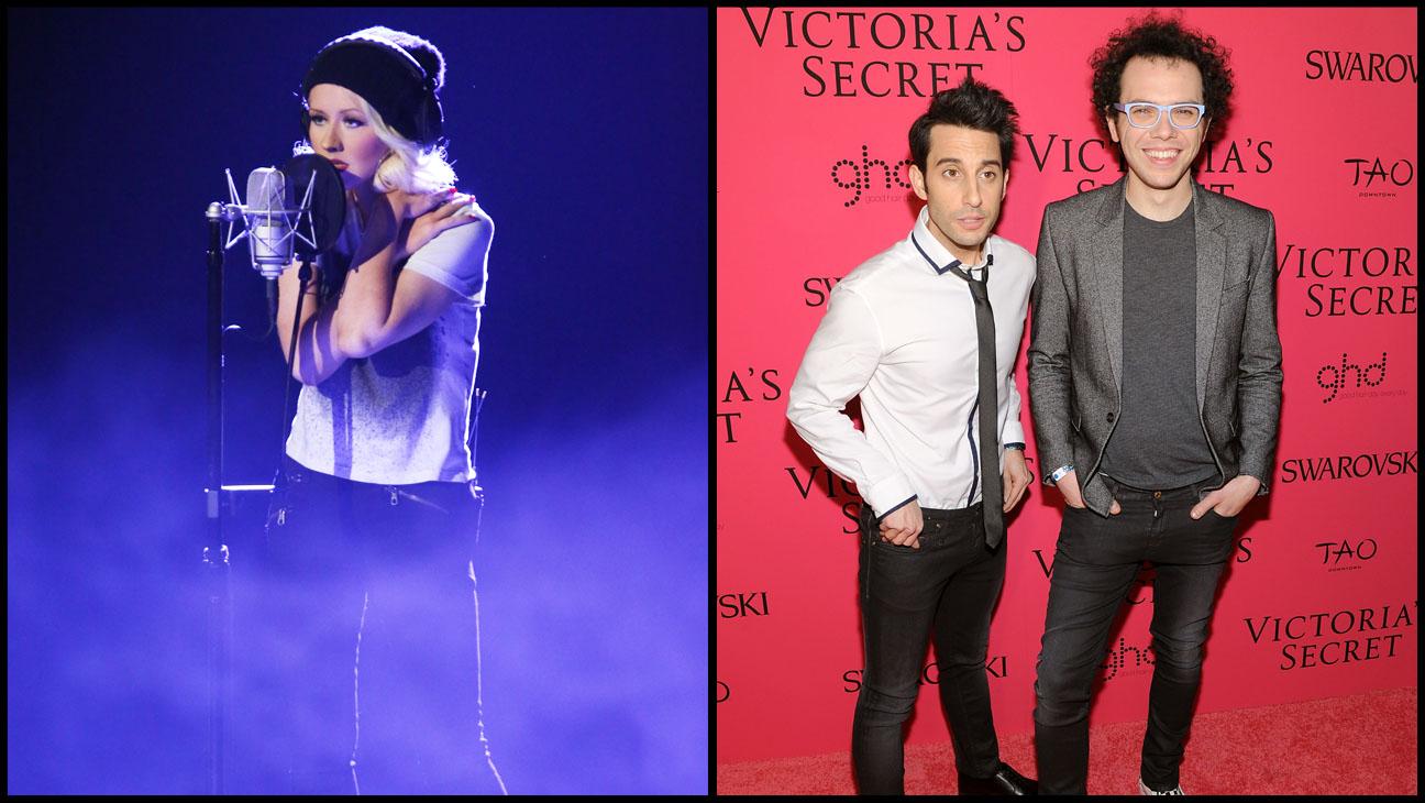 Christina Aguilera Performing A Great Big World Split - H 2013