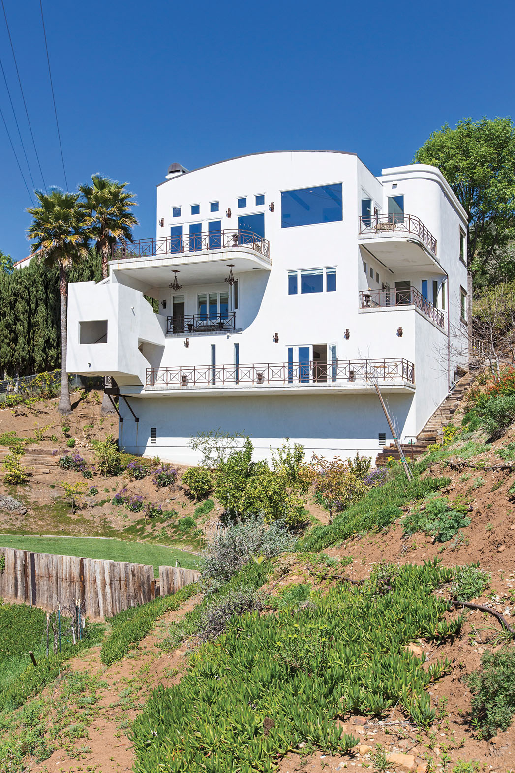 Issue 40 DEALS Malibu Real Estate - P 2013