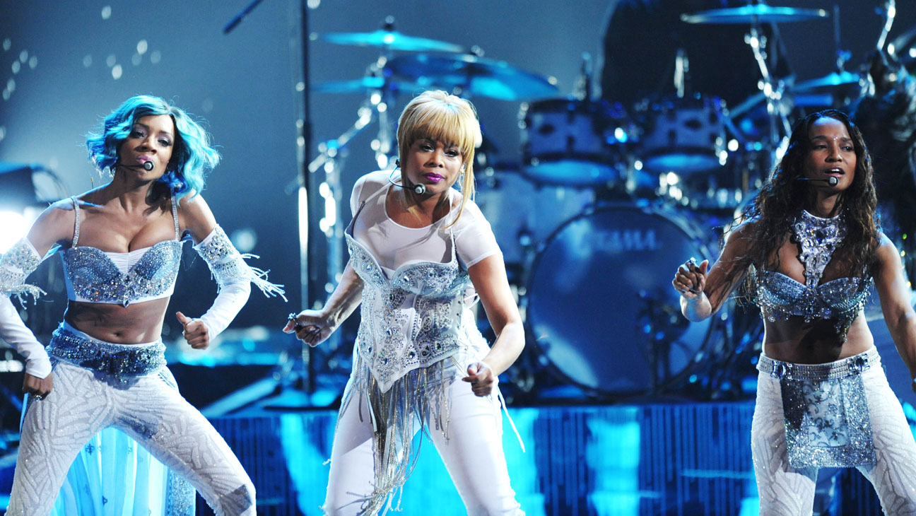 TLC Performing at the AMAs with Lil Mama 2 - H 2013
