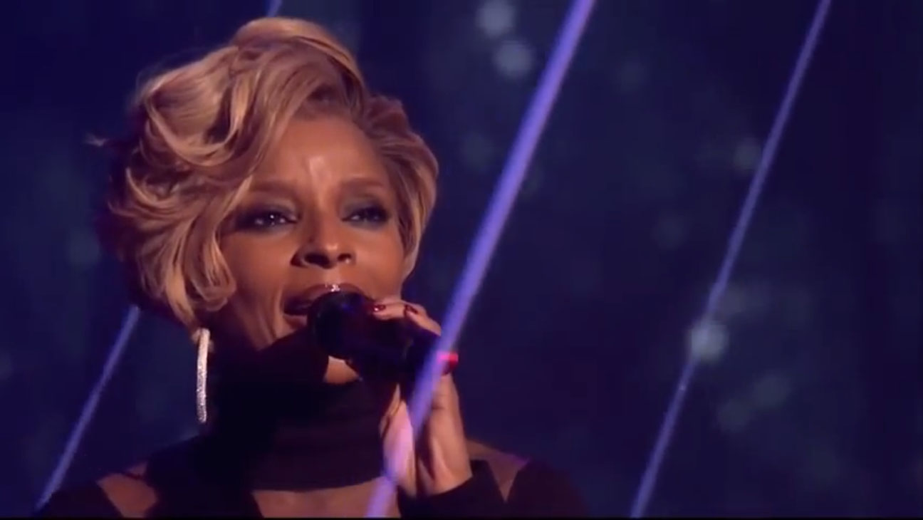 Mary J. Blige, 'A Mary Christmas'