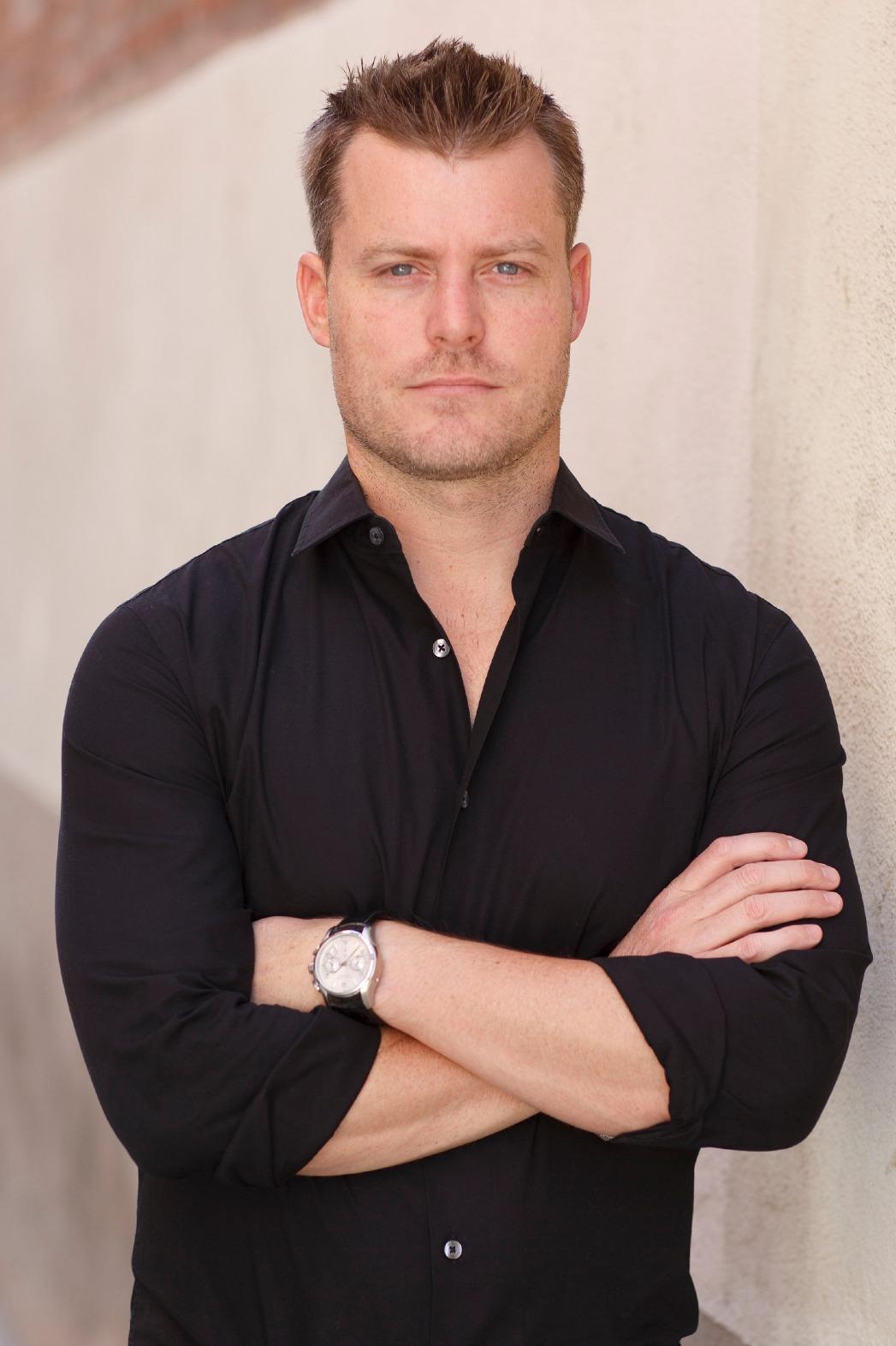 Rawson Marshall Thurber 2 - P - 2013