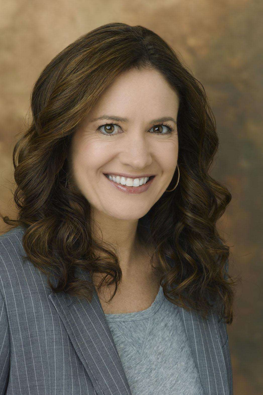 Tracy Underwood Headshot - P 2013
