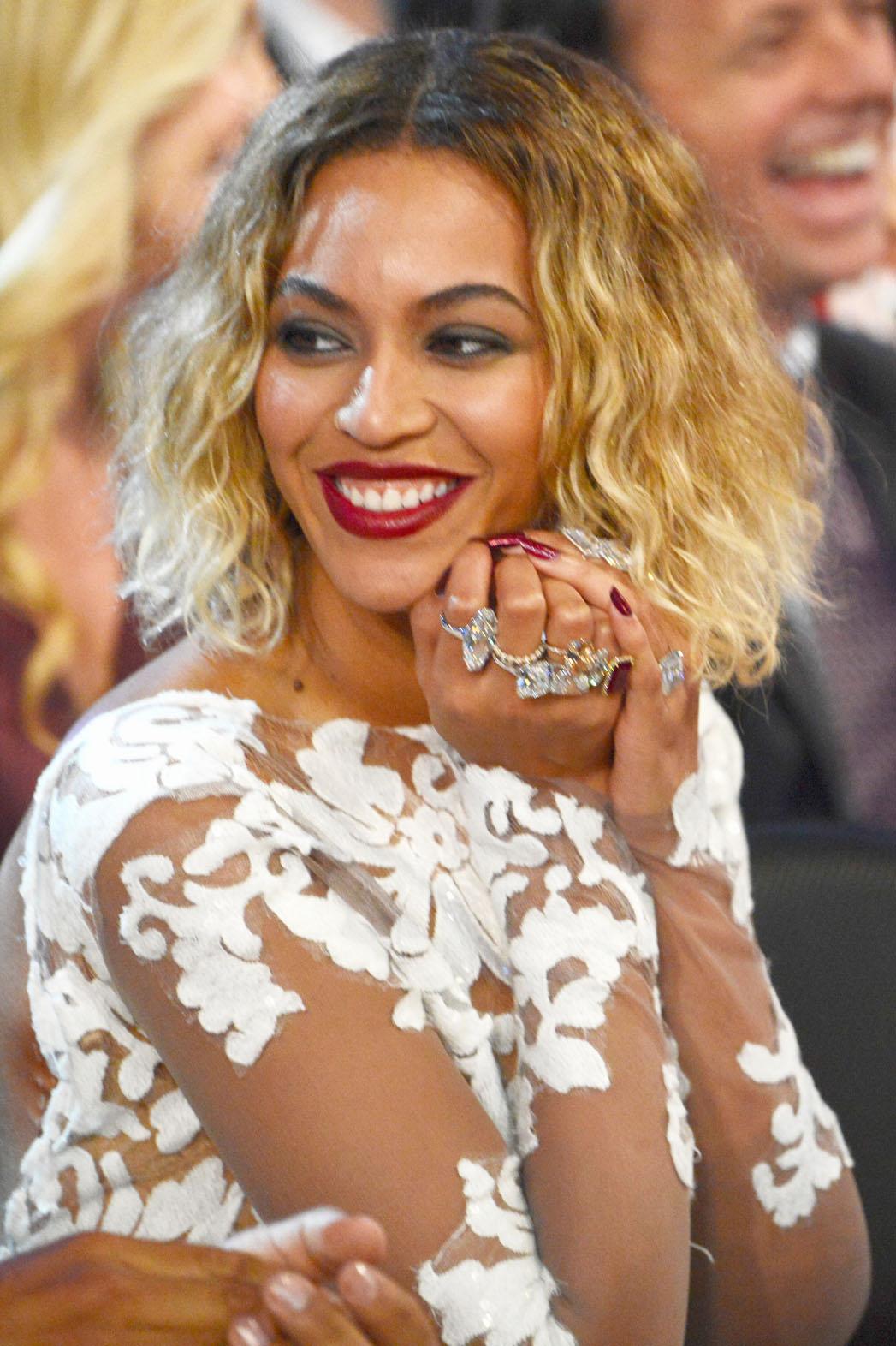 Beyonce Rings Grammys - P 2014