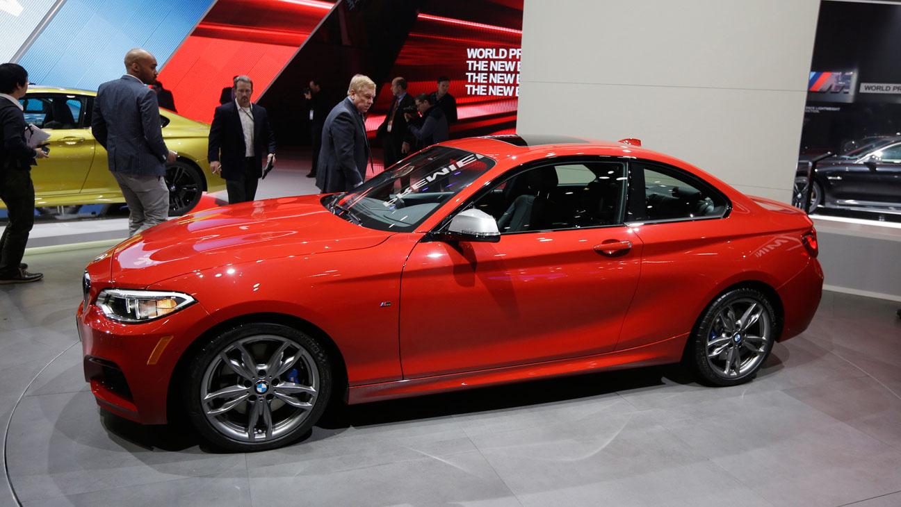 BMW M235i Detroit Auto Show - H 2014