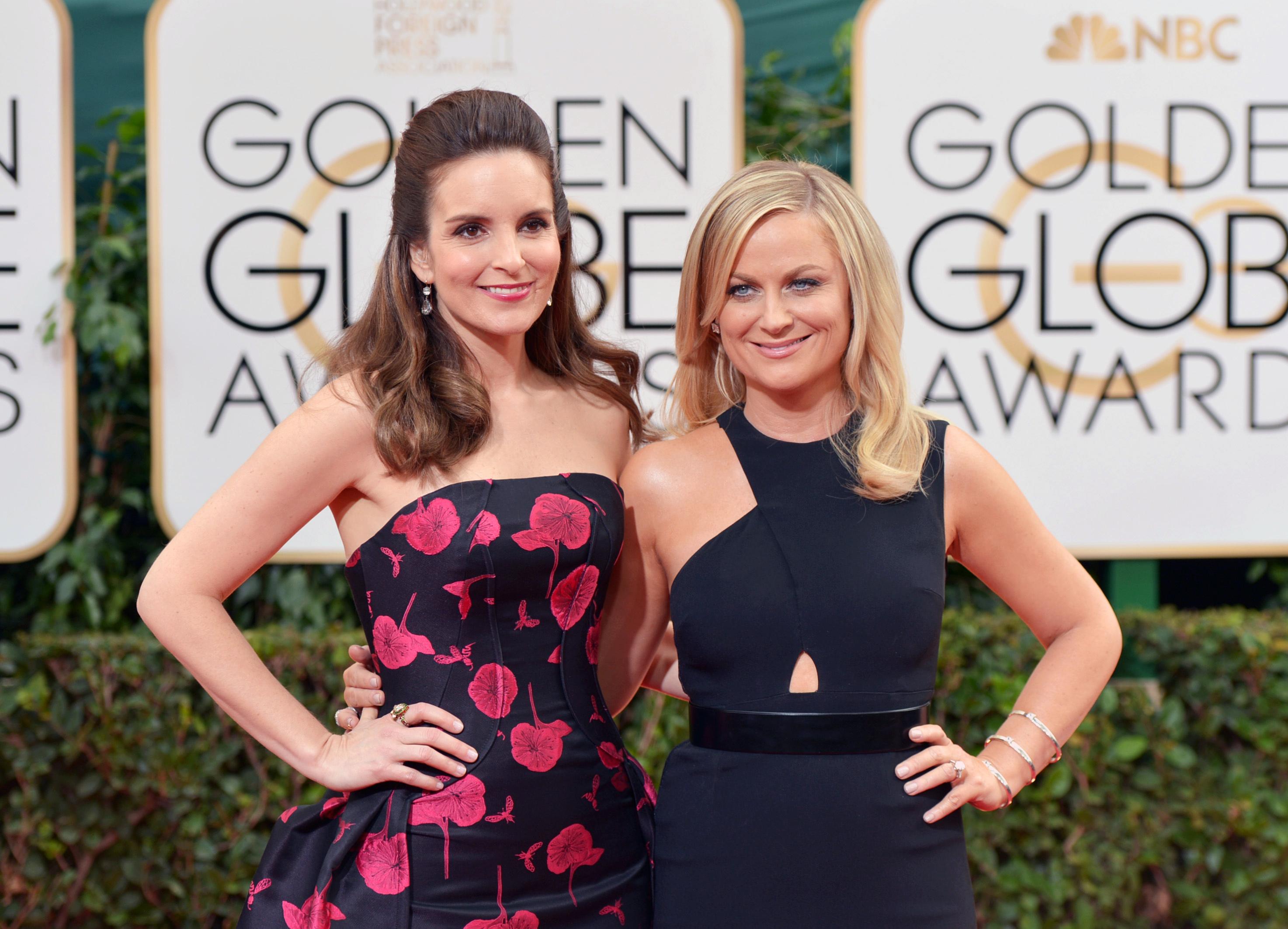 Tina Fey Amy Poehler Golden Globes Red Carpet - H 2014