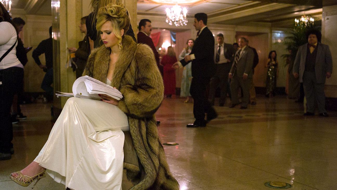 Jennifer Lawrence American Hustle Set - H 2014